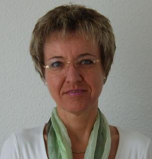 Frau Dr. Kathrin Büke